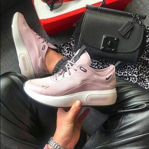 NWT Nike Air Max Dia Rare